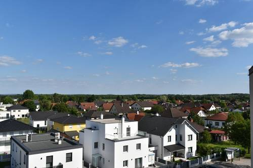 DG- Wohnung - ohne Schrägen, Wfl. 83m² mit Sauna + Loggia mit Fernblick!