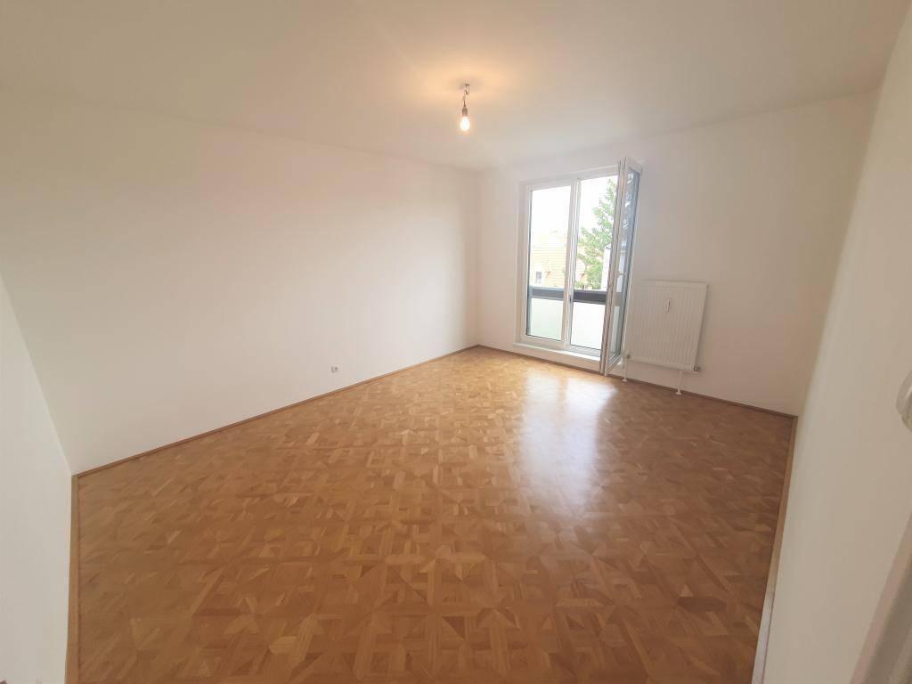 +++Neu sanierte Wohnung mit 2 Zimmer und Lift sehr schöne Lage+++