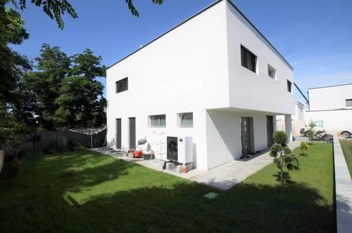 MODERNES TRAUMHAUS mit Pool und 6 Zimmer ** Wfl. 152 m² ** Gfl. 420 m²