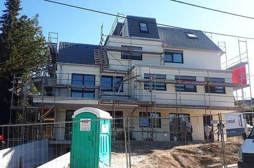DG-Wohnung+++4 Zimmer--westliche Terrasseca. 18m²+++Ziegelmassiv+++