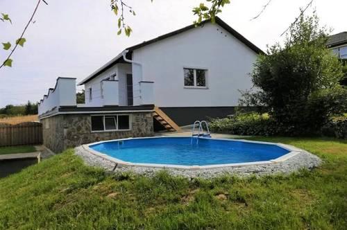 Sanierter Bungalow (115m²) mit Pool in schöner Aussichtslage in der Nähe von Fürstenfeld!