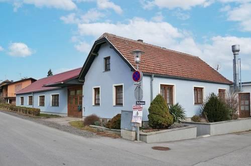 Mehrzweckhalle mit Wohnung in Dorflage in Ollern