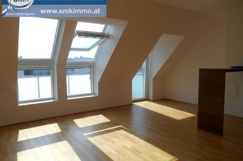 Dachgeschosswohnung mit Balkon und Parkplatz!