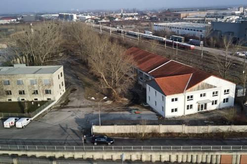 Mieterspezifisch adaptierbare Neubau-Halle mit Büro-/ und Gewerbeflächen in bester Frequenzlage