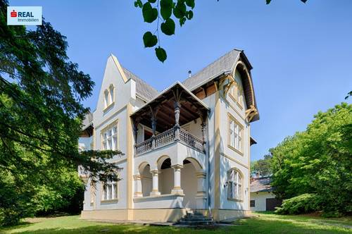 2371 Hinterbrühl, Ihr Nachbar die Burg Liechtenstein!