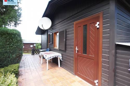 Schönes gemütliches Holzhaus am Mobilheimplatz in Forchtenstein