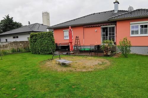 2404 Petronell-Carnuntum, Versteigerung eines Einfamilienhaus mit Keller und Garten!