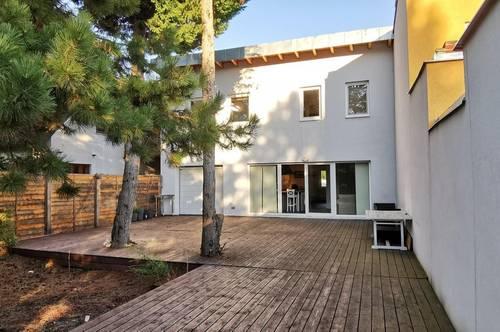 Einfamilienhaus mit Keller, Garage und großem Garten auf Baurechtsgrund