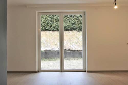 Vermietung: Lichtdurchflutete Wohnung mit Aussichtslage