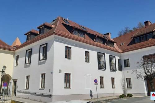 PREISSCHLAGER! Großzügige Eigentumswohnung mit historischem Flair!