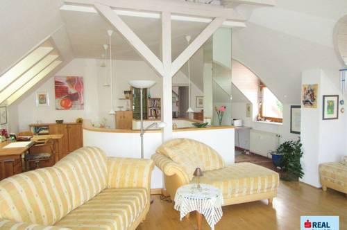 Tolle, einzigartige Penthousewohnung mit großer Sonnenterrasse und Traum-Fernsicht!