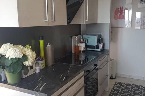 Topgepflegte 2 Zimmer - Eigentumswohnung mit Balkon/Loggia und Garagenplatz