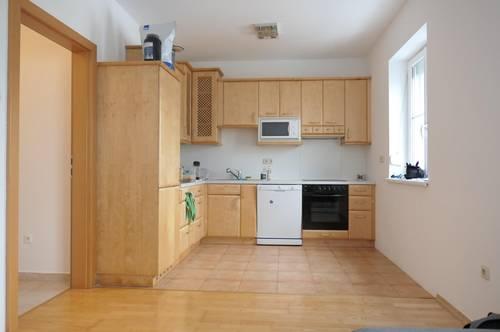 Optimale aufgeteilte 2 - Zimmer Wohnung inkl. Küche in Hagenbrunn & PKW Abstellplatz