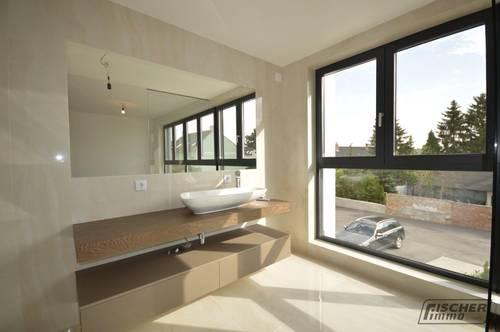 PROVISIONSFREI - REIHENHAUS-FLAIR! Moderne MAISONETTE-WOHNUNG mit Eigengarten, Dachterrasse und Keller................