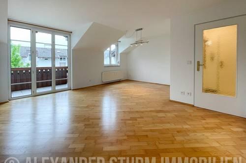 ON TOP | Lichtdurchflutete 3 Zi.-Wohnung mit überdachter Terrasse |  Carport-Stellplatz inklusive