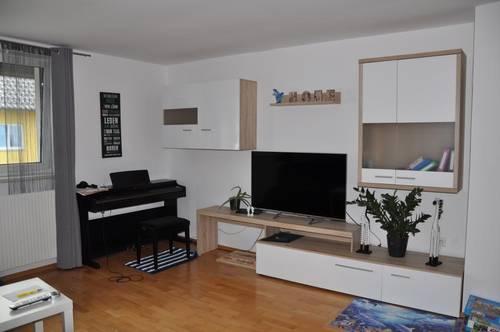 Dachgeschoßwohnung mit 3 Schlafzimmer und ca. 125 m² Eigengarten