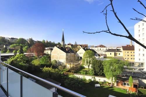RUHIGE - Wunderschöne Mietwohnung in gepflegter Wohnnhausanlage mit Balkon!