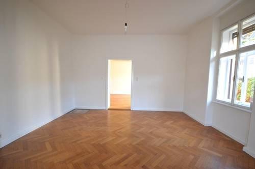 RIEDENBURG | 2,5-Zimmerwohnung mit Altbauflair in Zentrumslage