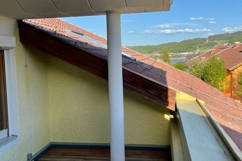 SEEHAM | 4-Zimmer-Dachgeschoss-Wohnung mit großer Terrasse + Seeblick