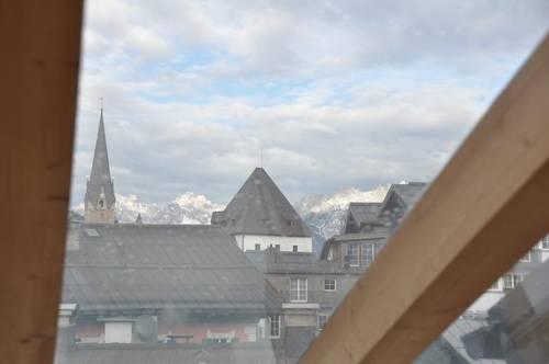 Moderne Dachgeschoss-Wohnung im Zentrum von Kitzbühel