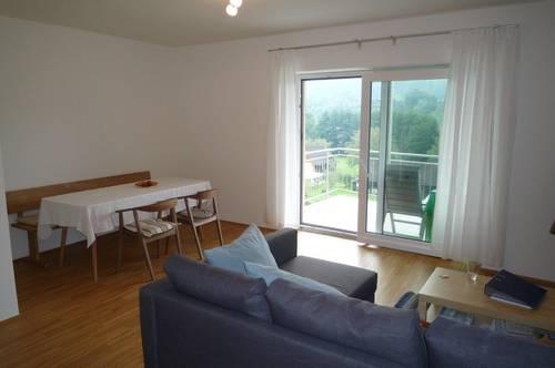 TOP Wohnung mit großzügiger, überdachter SÜD-WESTTERRASSE mit FERNBLICK! +2 CARPORT´s!