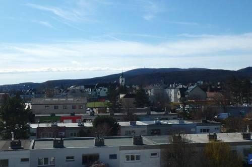 ERSTBEZUG nach Generalsanierung 4-Zimmer-Familienwohnung mit Fernblick   ZELLMANN IMMOBILIEN