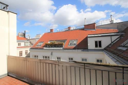 Lichtdurchfluteter Dachgeschoss-Maisonettentraum mit Terrasse | Rathaus + Parlament
