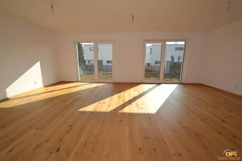 ERSTBEZUG: Hochwertig ausgestattetes 9-Zimmer Reihenhaus mit TOP-Ausstattung