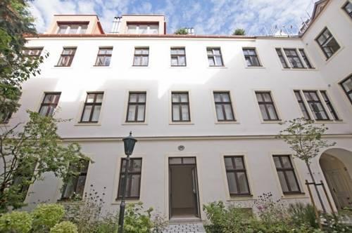 9., Bestlage Nähe Lyceé: Erstbezug: Traumhaftes Wohnen im letzten Liftstock mit großzügiger 13m² großen Terrasse im malerischem Biedermeierhaus