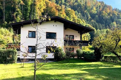 Bruckhäusl: Zweifamilienhaus mit großem Grundstück!