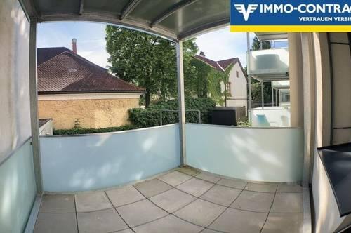 Sehr schöne Wohnung mit Balkon auch als WG nutzbar