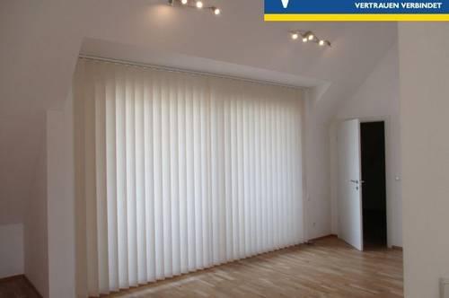 ERSTBEZUG: Exklusive DG-Wohnung mit genug Platz