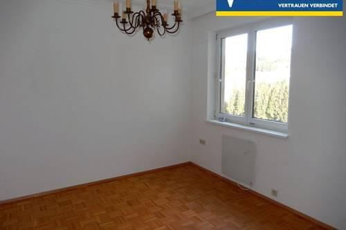 <b>Gepflegte Mietwohnung mit 4 Zimmer mit Loggia und Lift</b>