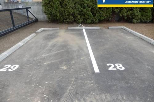 <b>1 Parkplatz zu vermieten, eingezäunt</b>