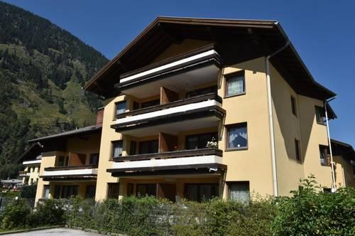 Gemütliche Großgarconniere mit Balkon und Tiefgaragenplatz! Mit hoher Wohnbeihilfe