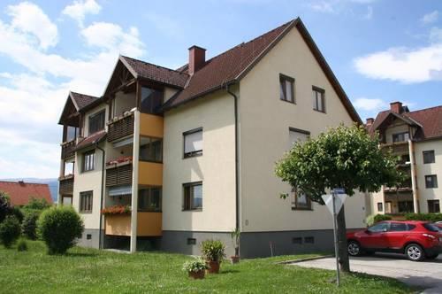 Großzügige 3 Zimmer Wohnung mit Terrasse zu vergeben!