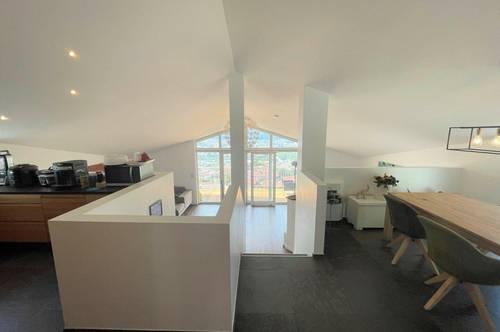 Stilvolles Einfamilienhaus mit Panoramablick und Einliegerwohnung