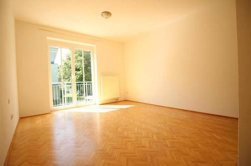 freundliche 2-Zimmer Mietwohnung mit Balkon und PKW-Stellplatz