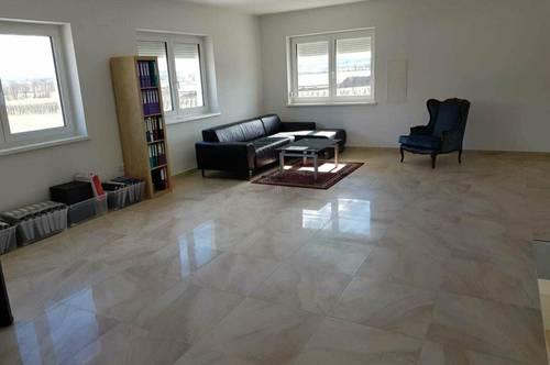 7042 Antau helle neue 80m2 Wohnung mit schönen hochwertigen Steinböden!