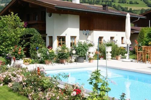 Romantisches Landhaus mit Swimming-Pool und bezauberndem Garten