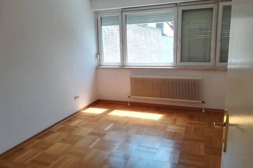 2410 Hainburg/Donau - 2 Zimmer mit Loggia und Garage