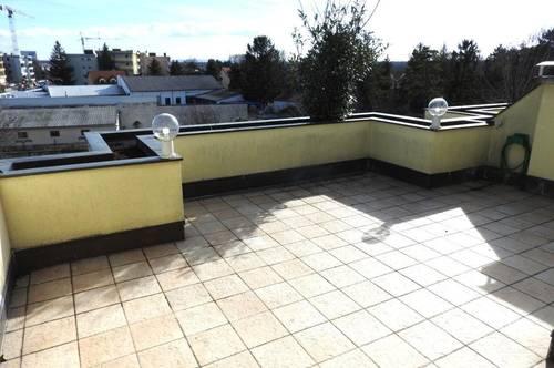 moderne 3-Zimmerwohnung mit großer Dachterrasse