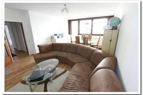 Gemütliche 3 Zimmer-Wohnung mit Loggia und Gemeinschaftsgarten