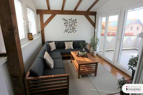 Ruhelage - Charmante DG-Wohnung mit Wintergarten und Terrasse