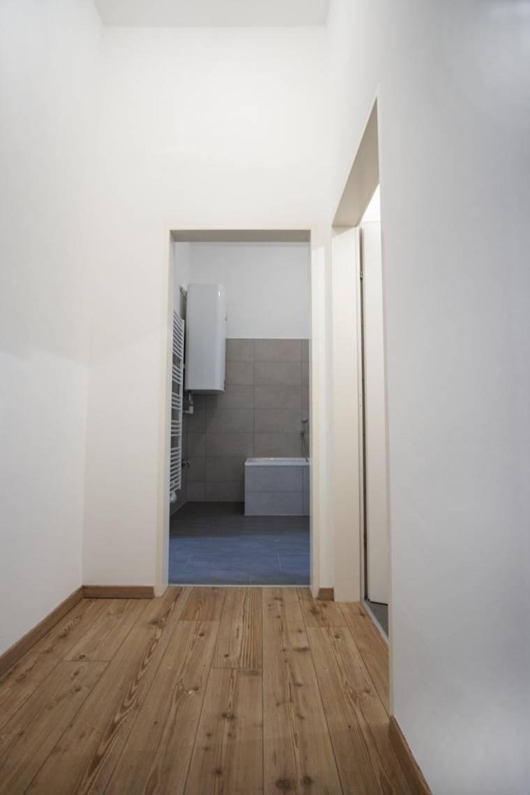 Vorraum (2)