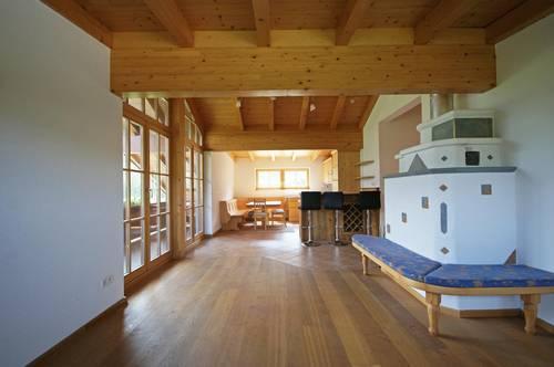 DG-Wohnung im Tiroler Stil am Bauernhof ( 9307 )
