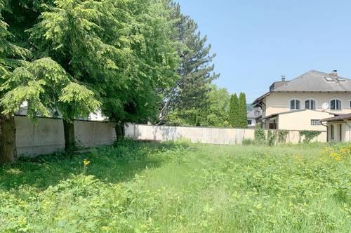 Grundstück mit Altbestand in Villenlage von Aigen!