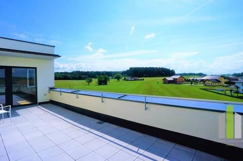 Neubau-Erstbezug 3 Zimmerwohnung mit großer Dachterrasse, Carportplatz und Stellplatz