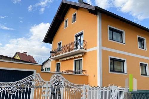 Geräumiges Mehrfamilienhaus in schöner Wohnsiedlung