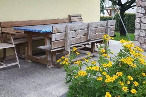 Großzügige 4 Zi- Wohnung mit Terrasse und Gartenbenützung